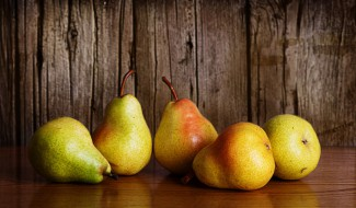 Pears as used in medieval dessert recipes