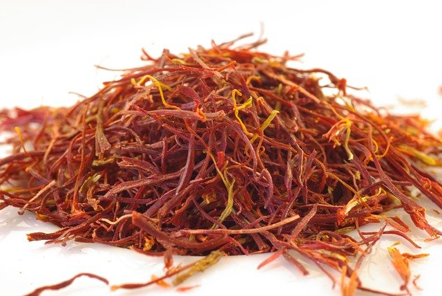 Saffron for sprinkling on eggs